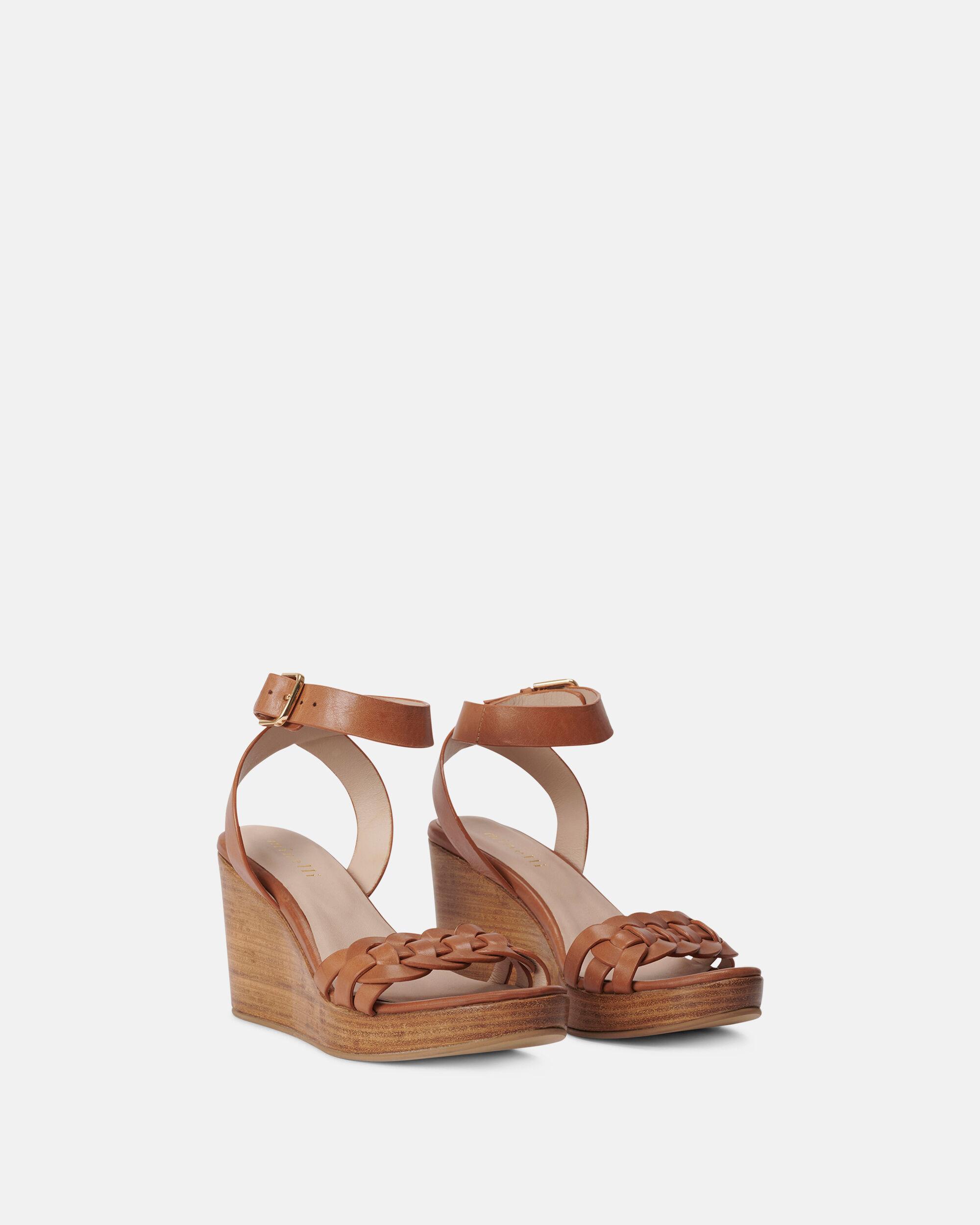 chaussure taille 35 talon compensé minelli