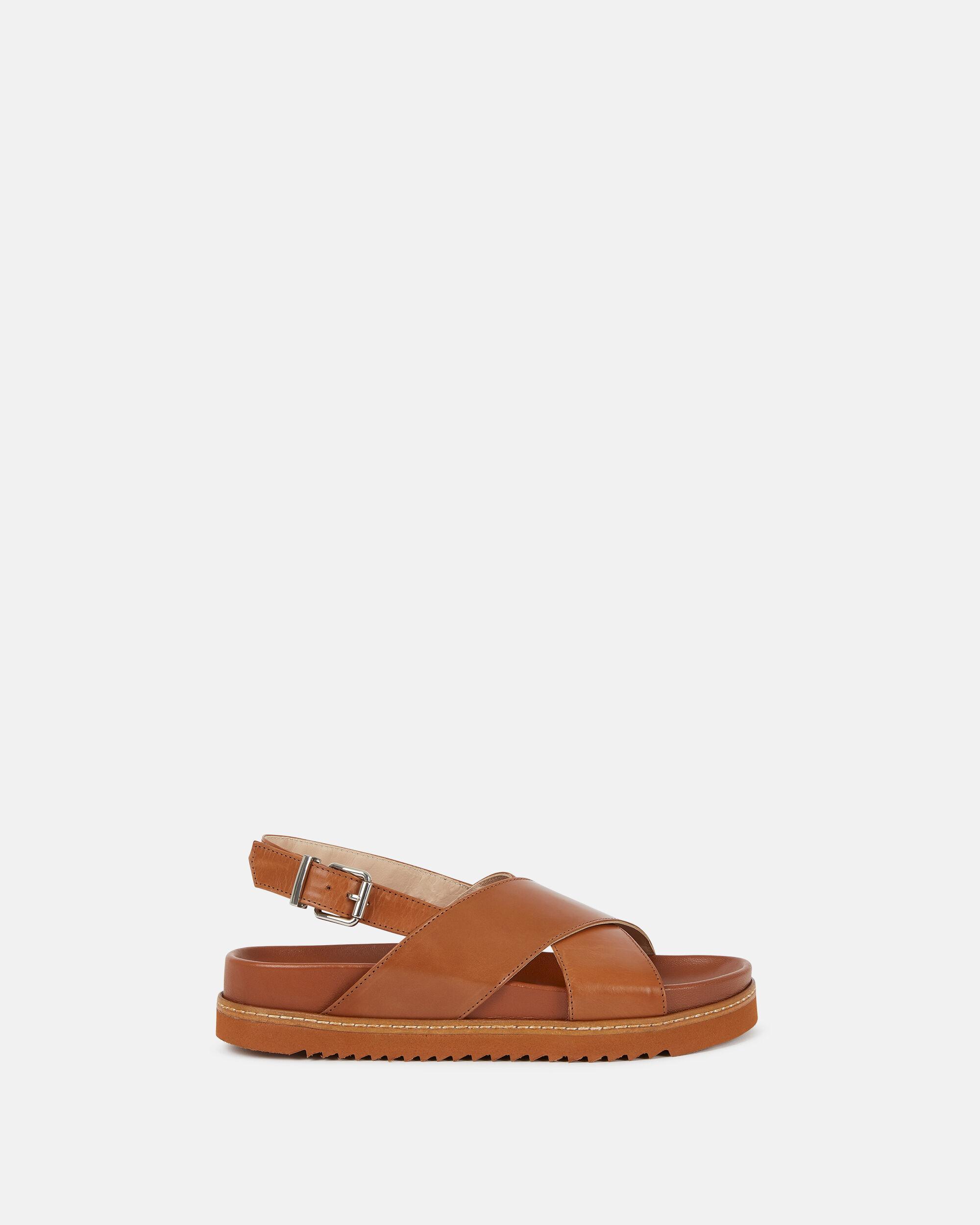 sandales cuir marron trous